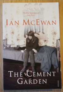 The Cement Garden av Ian McEwan | edgeofaword