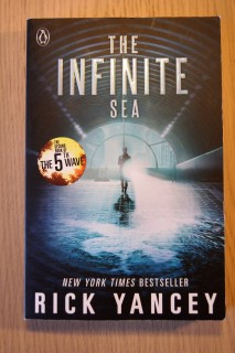 The Infinite Sea av Rick Yancey | edgeofaword