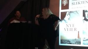 Mariela Årsandøy ved forlagstreff for Juritzen og Vega forlag | edgeofaword